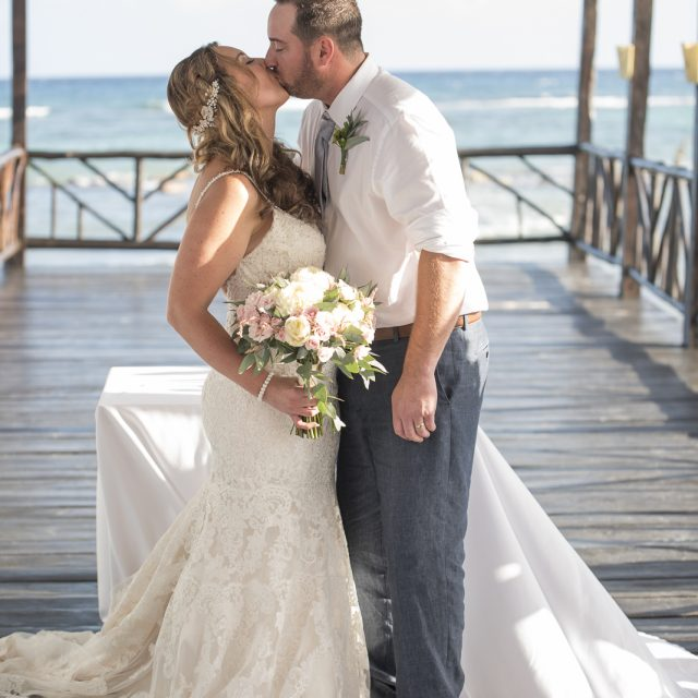 Amanda&Kevin_Wedding_Mexico_DanGarrityMedia_47