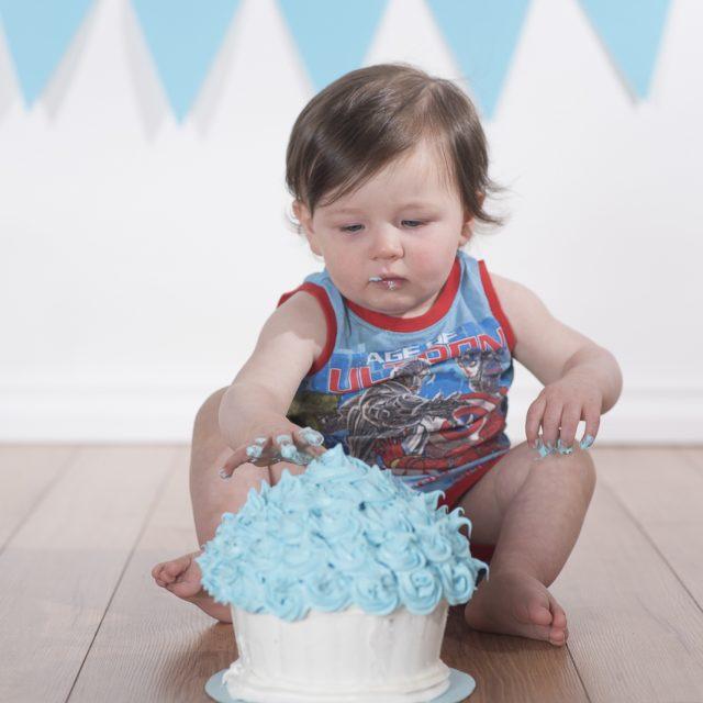 CakeSmash_ThunderBay_DanGarrityMedia_4
