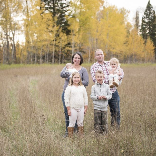 Nipigon_Fall_Family_Sessions_59