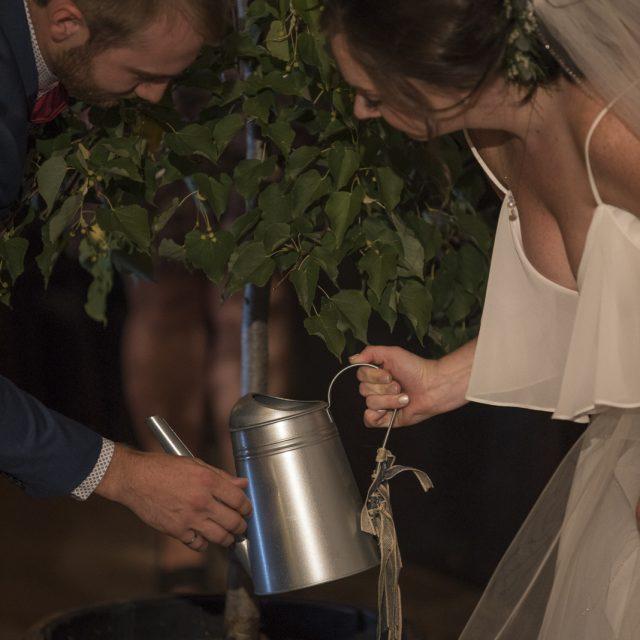 Kim&Ben_Wedding_SleepingGiantBrewery_DanGarrityMedia_083