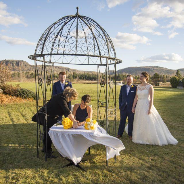 Nicole&ANdrew_WeddingDanGarrityMedia_222
