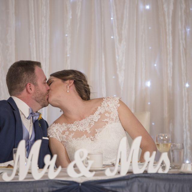 Nicole&ANdrew_WeddingDanGarrityMedia_292