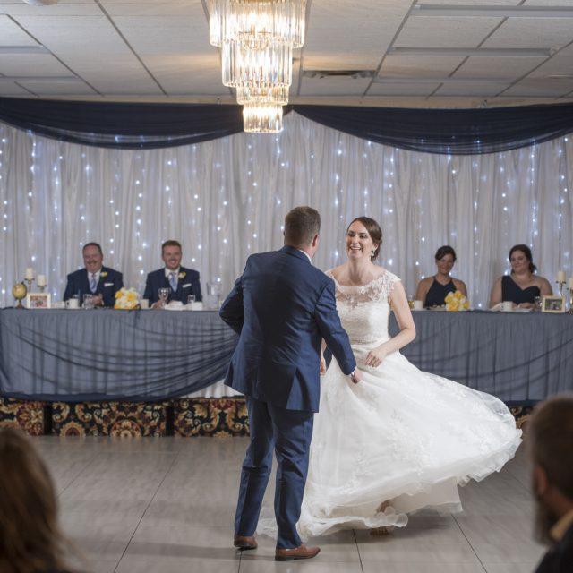 Nicole&ANdrew_WeddingDanGarrityMedia_337