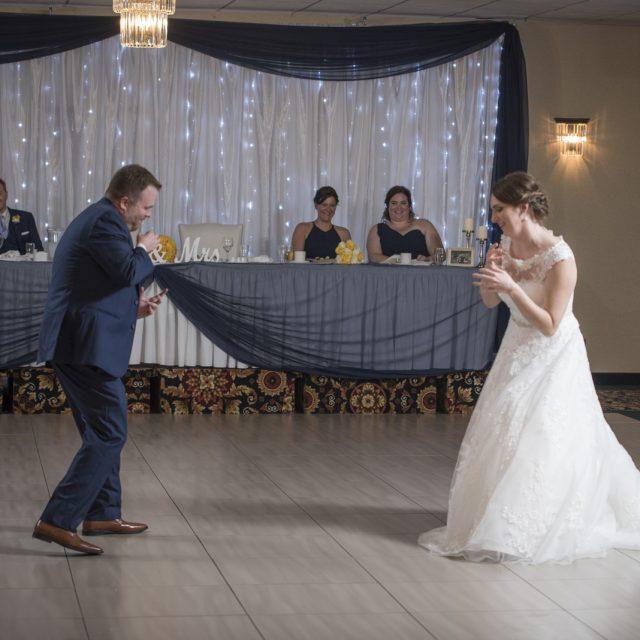 Nicole&ANdrew_WeddingDanGarrityMedia_340
